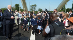walton-bridge-opening